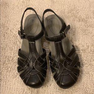 Baretraps Athens Sandals sz8 Black NWOT